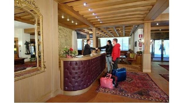 Praga Viaggi Selva Gardena m 1563 Val Gardena | soggiorno in ...