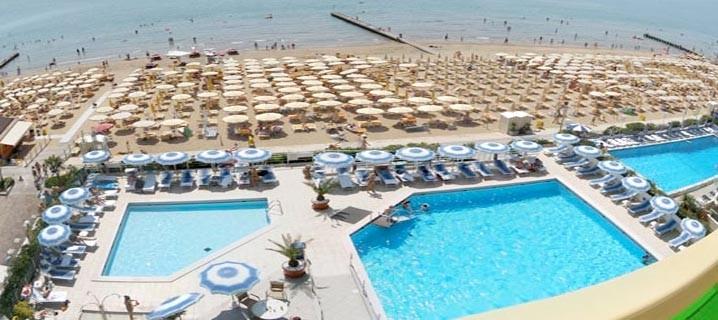 Praga viaggi soggiorno balneare a lido di jesolo soggiorno - Hotel con piscina jesolo ...