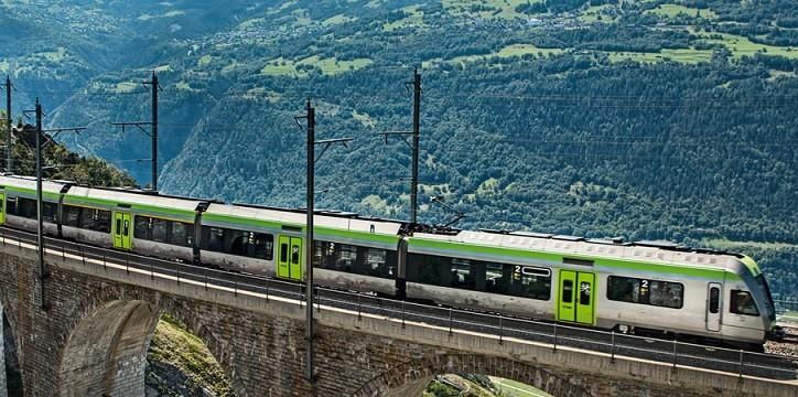 Praga viaggi trenino verde e navigazione sul lago di thun for Lago store genova